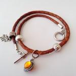 Hippie Chic 3 - € 12,95<span>VERKOCHT</span><br>Armband met leren koord, bedels, facetkralen, zilveren fournituren, ook te dragen als ketting en riemhanger - 33 cm