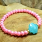 Sis & Suzy armband 019 - € 8,50<span>VERKOCHT</span><br>Roze en aquablauwe facetkralenarmband.