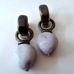 """Grey Stones - € 9,95<a href=""""/product/grey-stones"""" target=""""_blank"""">BESTELLEN</a><br>Oorbellen met clips - 5,5 cm"""