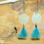 """Sis & Suzy oorbellen 012 - € 6,50<a href=""""/product/sis-suzy-oorbellen-012/"""" target=""""_blank"""">BESTELLEN</a><br>Lange turquoise met zilver en zeegroene fashion oorbellen, doorsnede 20 mm"""